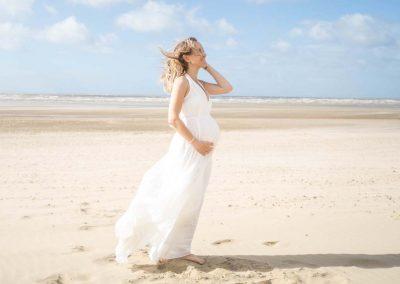 AURA – BEACH MATERNITY PHOTOSHOOT